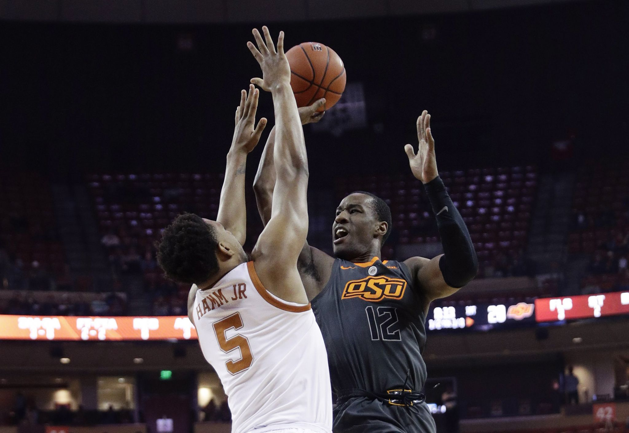 Texas gets spark from bench in win over Oklahoma State