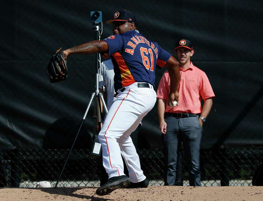 Houston Astros right handed pitcher Rogelio Armenteros (61) pitches at bullpen at Fitteam Ballpark of The Palm Beaches on Day 3 of spring training on Saturday, Feb. 16, 2019, in West Palm Beach. Photo: Yi-Chin Lee, Houston Chronicle / © 2019 Houston Chronicle