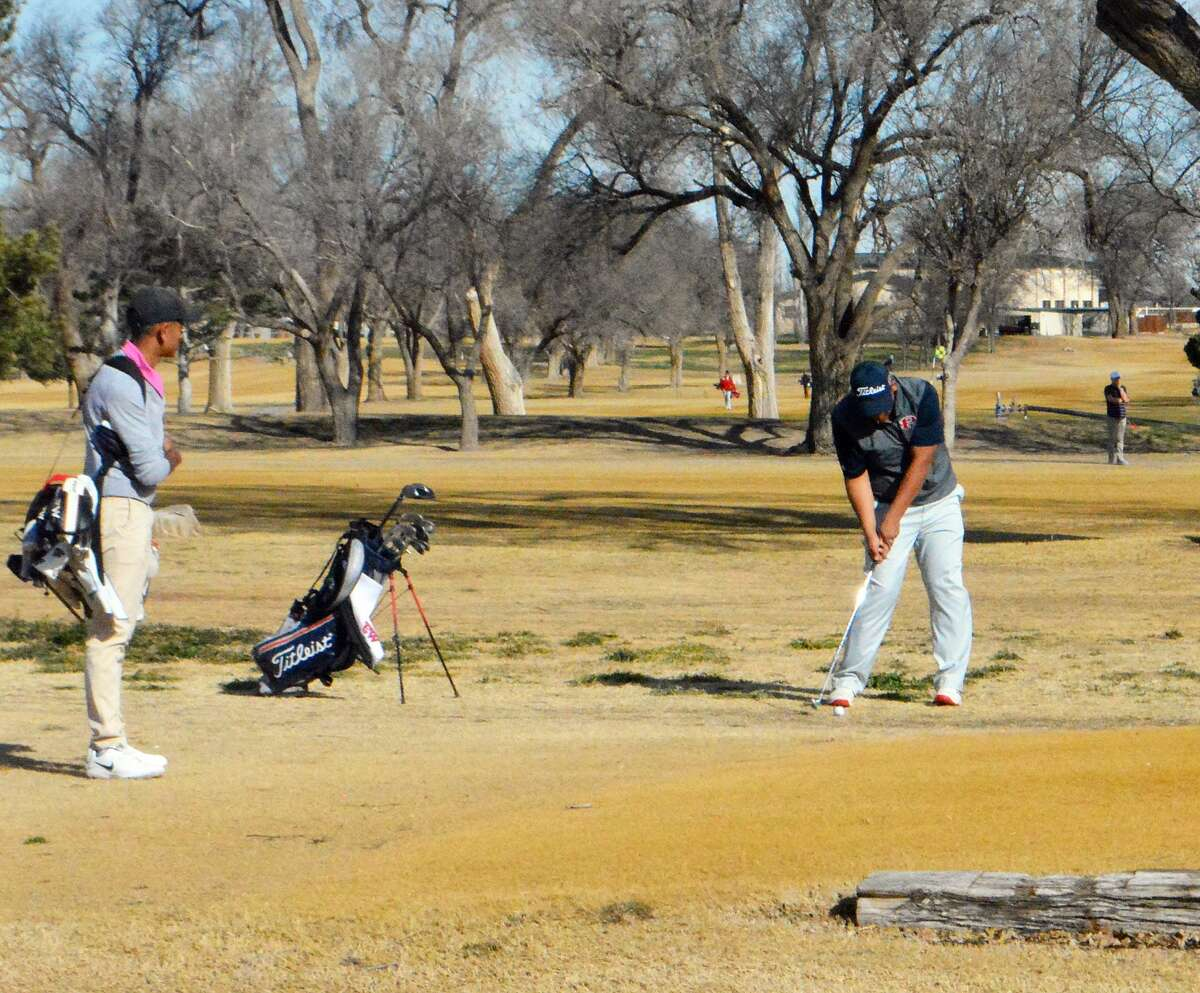The Plainview Bulldogs golf team opened the season with a ninth-place finish in its host Plainview Invitational on Saturday at the Plainview Country Club.