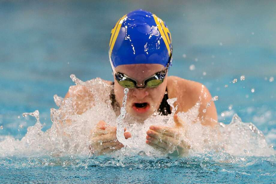 Alamo Height's Elizabeth Walsh swims the breasstroke leg of the girls 200-yard medley relay during the UIL Class 5A state championship at the Jamail Swimming Center at the University of Texas at Austin on Saturday, Feb. 16, 2019. Alamo Heights took second in the event with a time of 1:48.16. Photo: Marvin Pfeiffer, Staff Photographer / Express-News 2019