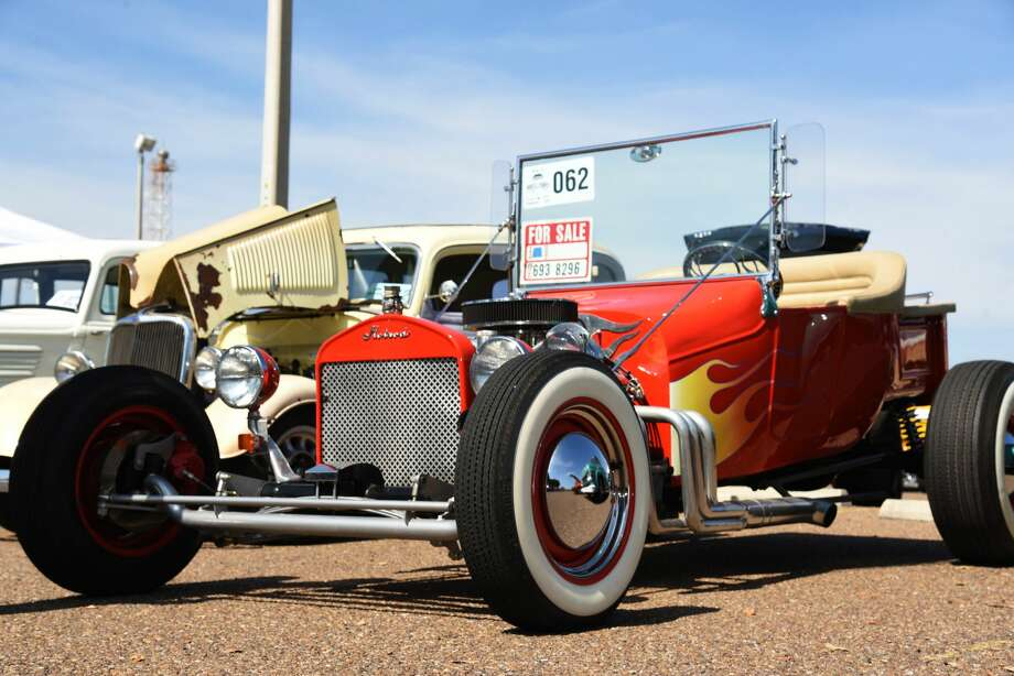 Community members gathered to marvel over car enthusiasts' unique and creative cars, trucks and motorcycles during the WBCA Pipes and Stripes Auto Show, Saturday, February 16, 2019. Photo: Christian Alejandro Ocampo