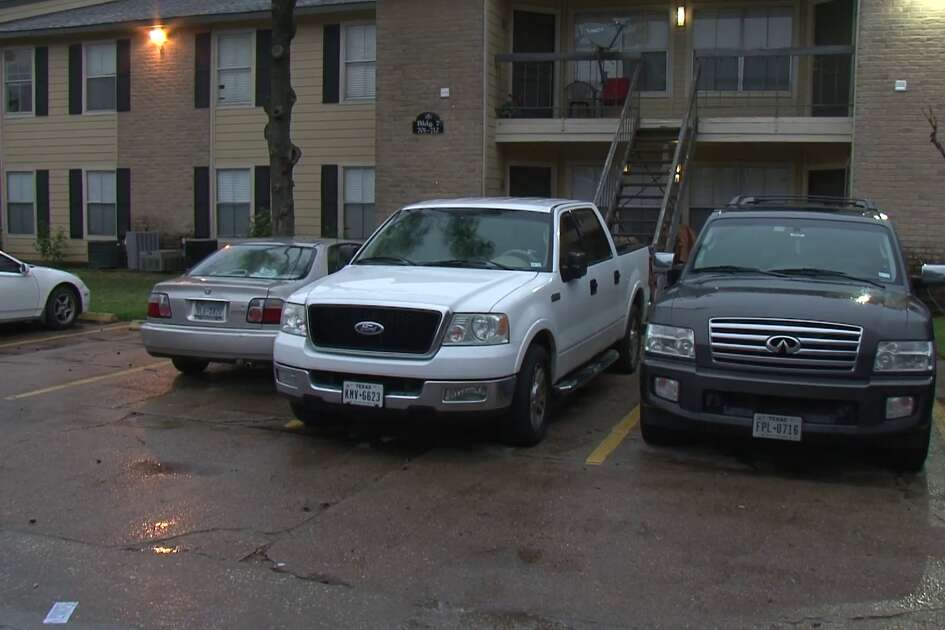 Woman shot at Antoine apartment complex