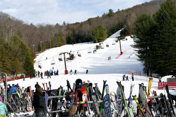Ski Sundown held a demo day and a Family Fun Race at their New Hartford Trail on Sunday, February 17, 2019. The day featured a try-before-you-buy demonstration by Suburban Ski Shop, as well as a family skiing race on the Gunbarrel trail. Were you SEEN?