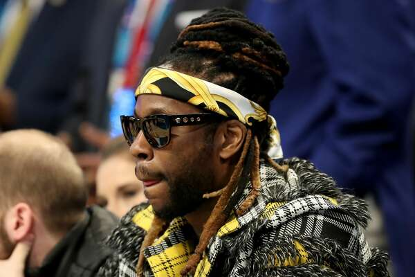CHARLOTTE, NORTH CAROLINA - FEBRUARY 17: 2 Chainz watches the action during the NBA All-Star game as part of the 2019 NBA All-Star Weekend at Spectrum Center on February 17, 2019 in Charlotte, North Carolina. NOTE TO USER: User expressly acknowledges and agrees that, by downloading and/or using this photograph, user is consenting to the terms and conditions of the Getty Images License Agreement. Mandatory Copyright Notice: Copyright 2019 NBAE (Photo by Streeter Lecka/Getty Images)