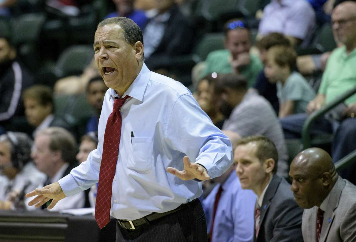 PHOTOS: 15 nominees for coach of the year Houston head coach Kelvin Sampson yells at his players in the first half of an NCAA college basketball game against Tulane in New Orleans, Sunday, Feb. 17, 2019. (AP Photo/Matthew Hinton)
