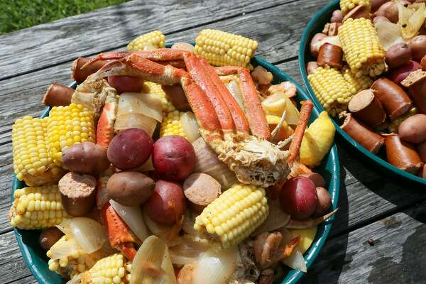 Crawfish and seafood boils make for an instant party - ExpressNews com