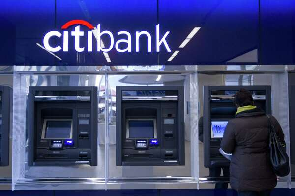 High-tech alternatives threaten future of big banks
