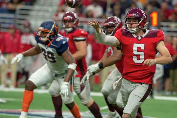 San Antonio Commander quarterback Logan Woodside throws the ball during the first half of play on Sunday, February 17, 2019.