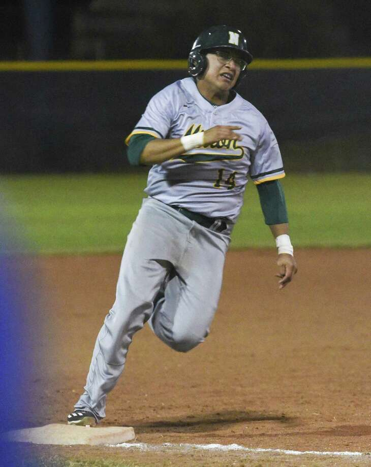 Sergio Reyes and Nixon defeated Savio 5-4 to end the Austin ISD Tournament Saturday. Photo: Danny Zaragoza /Laredo Morning Times File