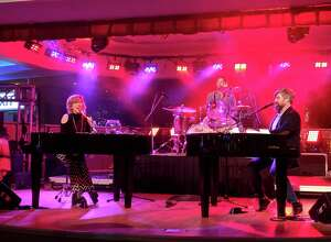 Savage Piano's Dueling Pianos show returns to Foxwoods' Atrium Bar Lounge on March 1.