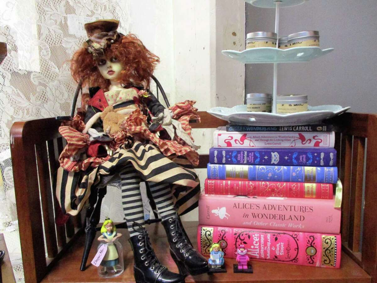 Cottage Wicks, a perfect location for an Alice in Wonderland event.
