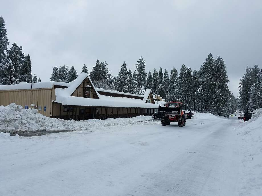 50 Grand Restaurant and Bar in Pollock Pines (El Dorado County) was overwhelmed with stranded travelers. Photo: Courtesy Kim McCarthy