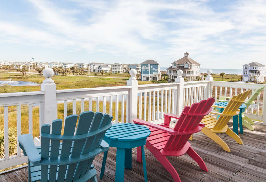 The prices and rental terms vary depending on location, beach view, number of bedrooms and amenities. Photo: Courtesy Galveston CVB