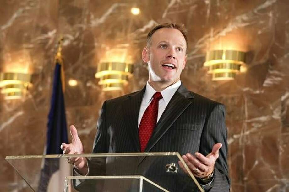 Railroad Commissioner Ryan Sitton looked to bust some myths as he addressed the Midland County Republican Women luncheon on Wednesday. Photo: Submitted