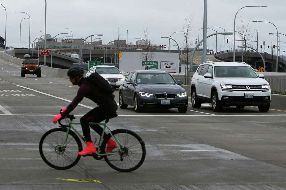 The northbound SR 99 Dearborn Street exit opened to traffic Tuesday morning before the morning rush. Cars are seen here using the offramp Tuesday afternoon, Feb. 19, 2019. Photo: Genna Martin, Seattlepi.com / SeattlePI