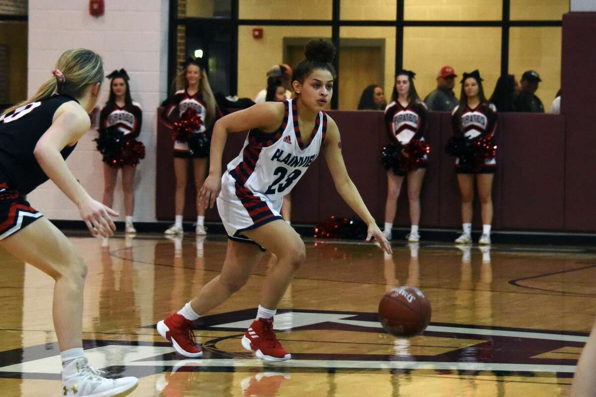 The Lubbock-Cooper Lady Pirates took a 43-30 win over the Plainview Lady Bulldogs during the Class 5A regional quarterfinals on Tuesday in Abernathy.