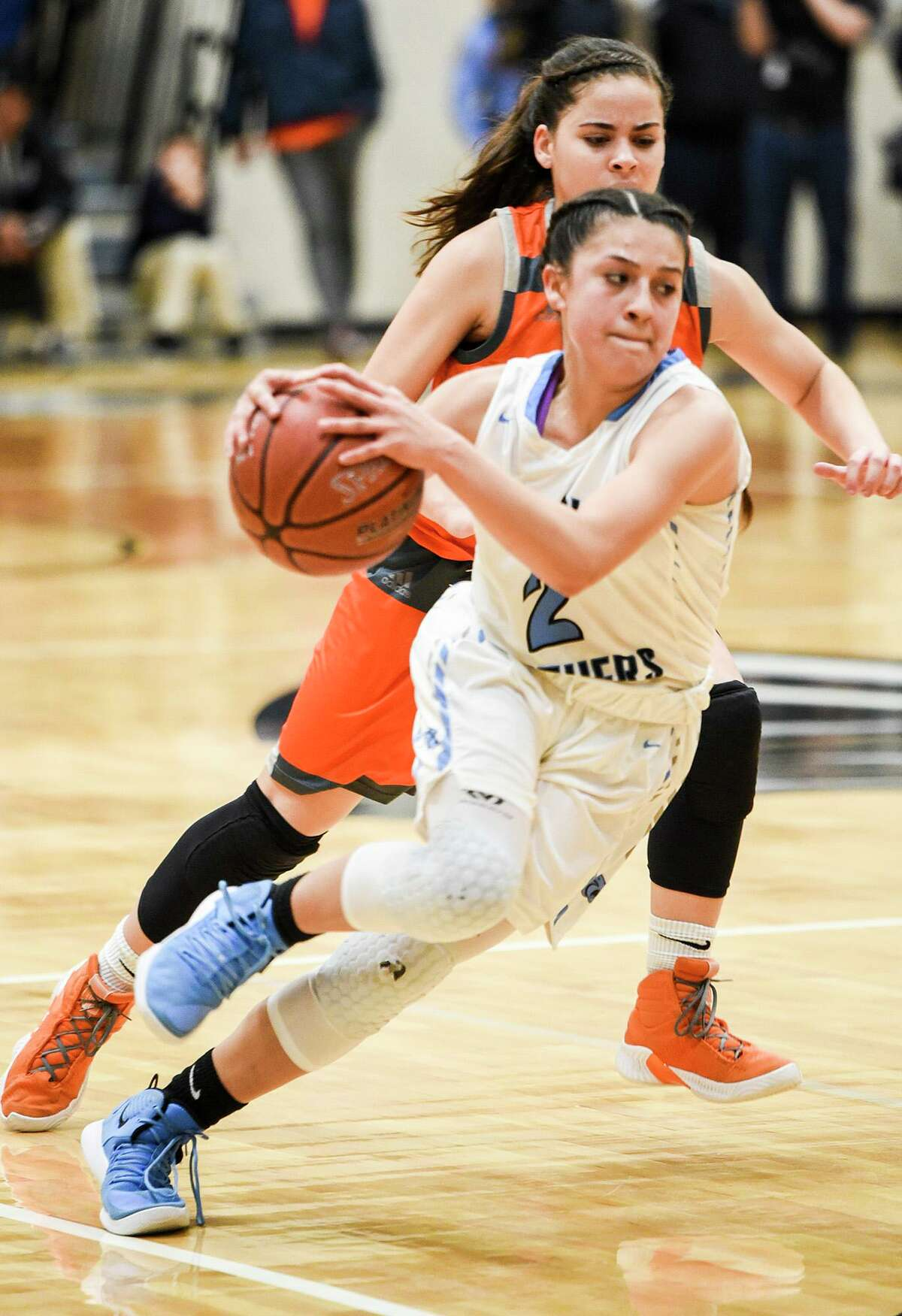 Angeline Lopez and United South host United at 7:30 p.m. Tuesday in an unbeaten battle for outright possession of first place in District 29-6A.