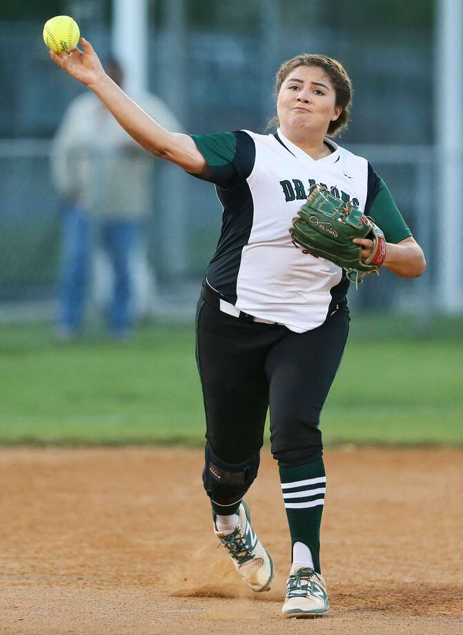 Southwest shortstop Aaliyah Ortiz throws to first base during the third inning of their District 29-6A softball game at South San on Tuesday, March 21, 2017. South San beat Southwest 8-6. MARVIN PFEIFFER/ mpfeiffer@express-news.net Photo: Marvin Pfeiffer, Staff / San Antonio Express-News / Express-News 2017