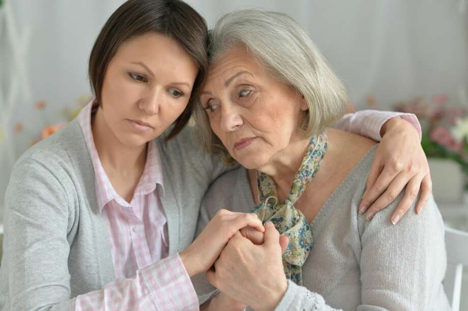 An aunt want to help out her neice. Photo: RuslanGuzov/Getty Images/iStockphoto
