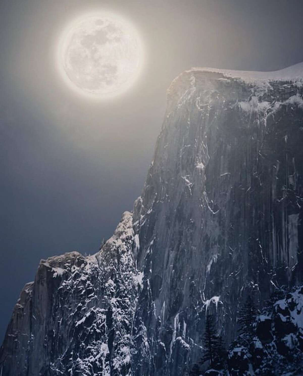 @lylin0717 had to stand in waist-deep snow in Yosmeite to compose this image of the Supermoon.