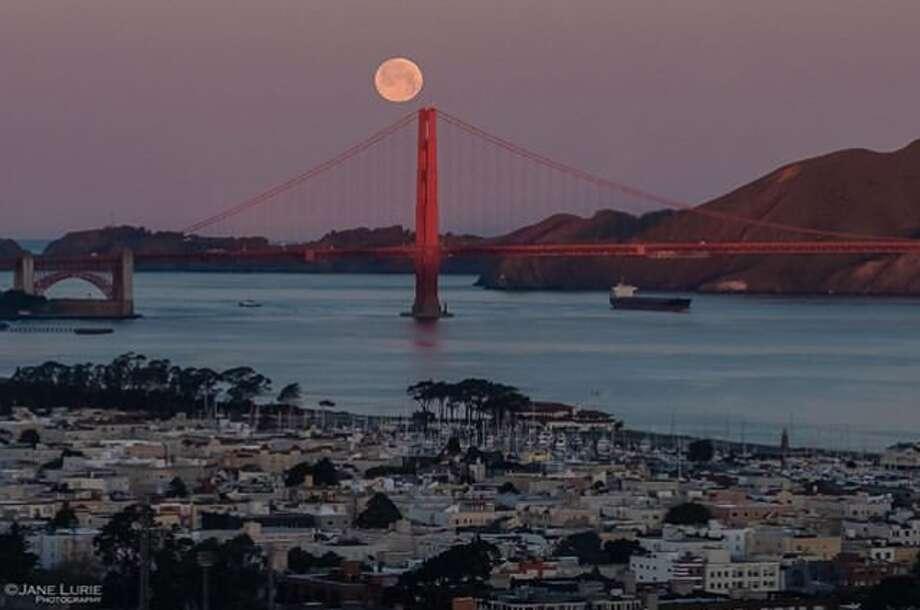 'Super snow moon' delights Bay Area