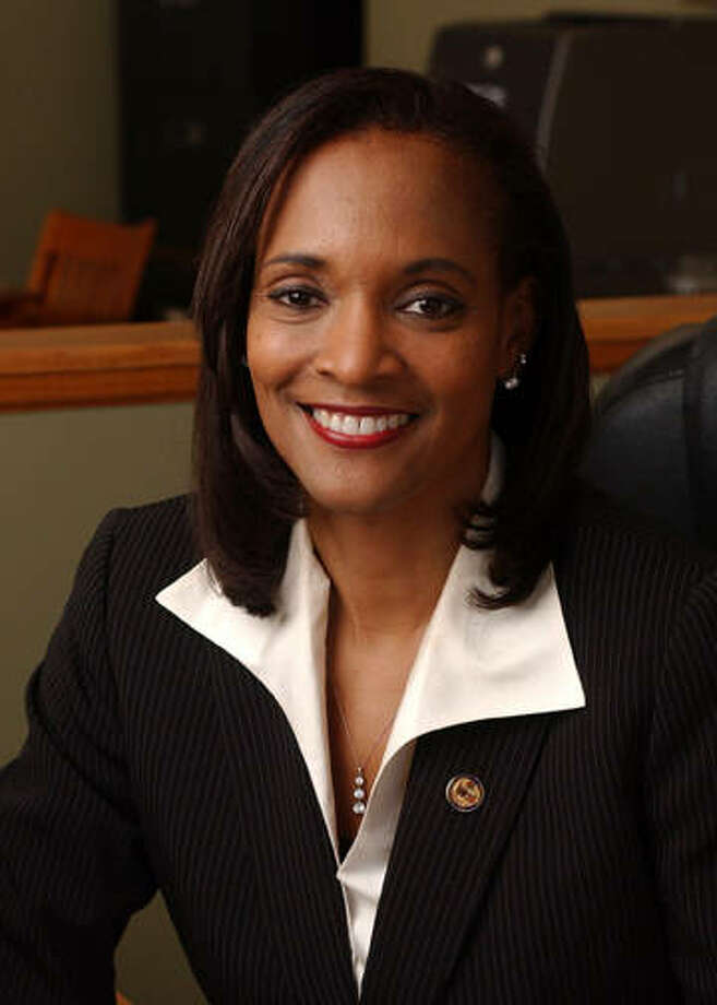 Photo of state Rep. Camille Lilly (D-Chicago) from the Illinois House Democratic Caucus. Photo: Photo Via Illinoispressfoundation.org