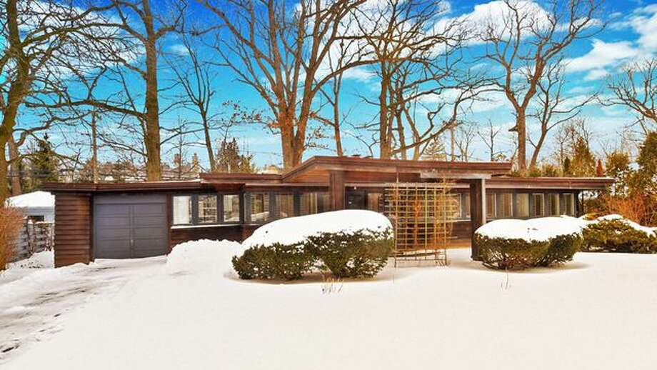 Masterpiece Potential? Buy a Frank Lloyd Wright Fixer-Upper in Illinois