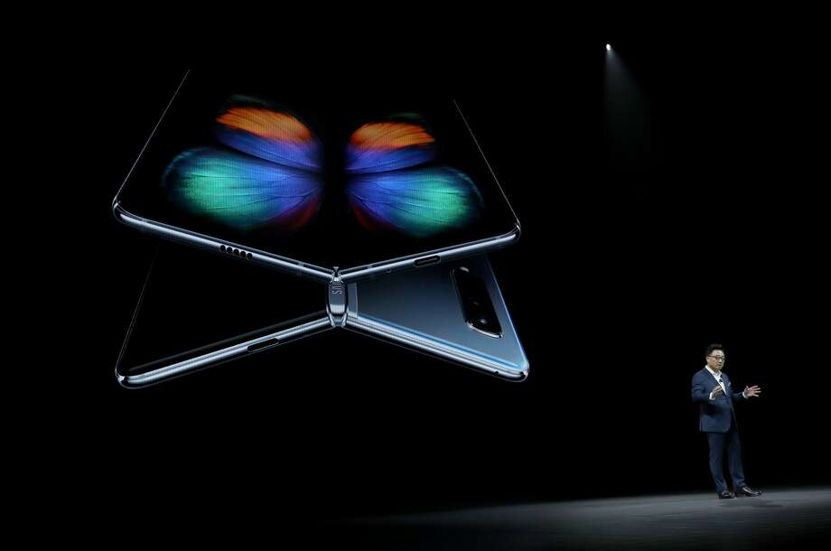 Samsung's new S10 and Galaxy Fold do some awesomely strange things with screens - SFGate
