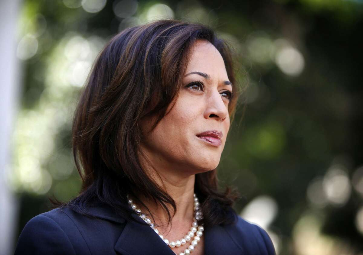 Who is 2020 presidential candidate Kamala Harris? California Democratic Sen. Kamala Harris is a potential 2020 presidential candidate. Fairly new to national politics, Harris began her Senate tenure after winning election in November 2016. Here's a primer on her background, experience and where she stands on current issues.