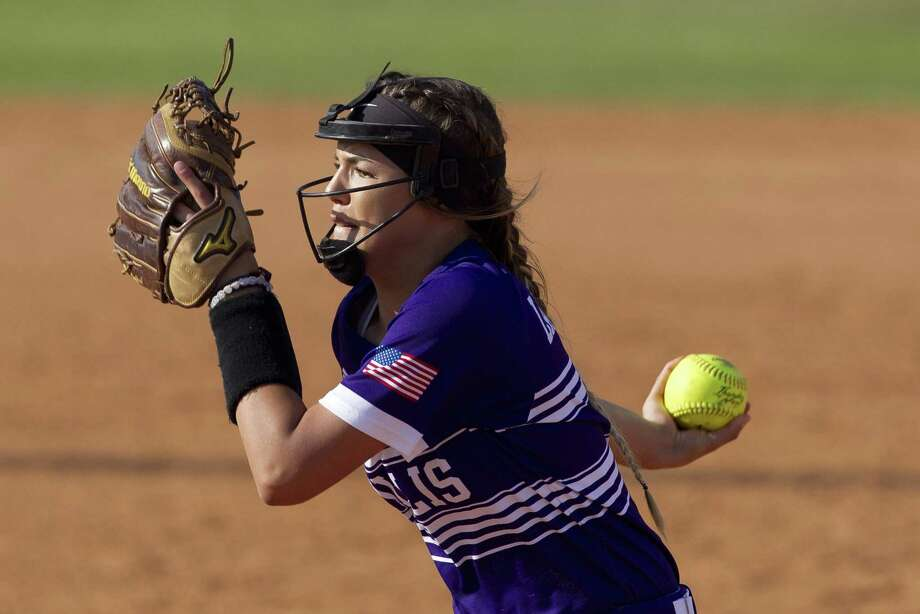 Willis pitcher Ashley Vallejo, shown here last season, threw a perfect game Wednesday against New Caney. Photo: Jason Fochtman, Staff Photographer / Houston Chronicle / © 2018 Houston Chronicle