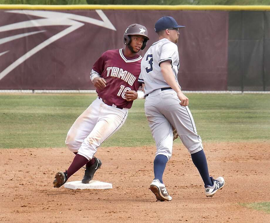 TAMIU picked up wins of 5-3 and 5-0 on Wednesday over Houston-Victoria — the latter including a walk-off two-run homer by shortstop Jorge Napoles. Photo: Cuate Santos /Laredo Morning Times File / Laredo Morning Times