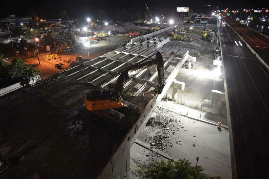 A live feed shows a still image that is updated frequently to show live progress of the Route 8/25 bridge project. This screen grab shows work going on at the Lindley Street Route 8/25 bridge at 11:30 p.m. on Monday, June 13, 2016. http://rt8bridgeport.com/livefeed/ Photo: Contributed Photo / Contributed Photo / Connecticut Post contributed