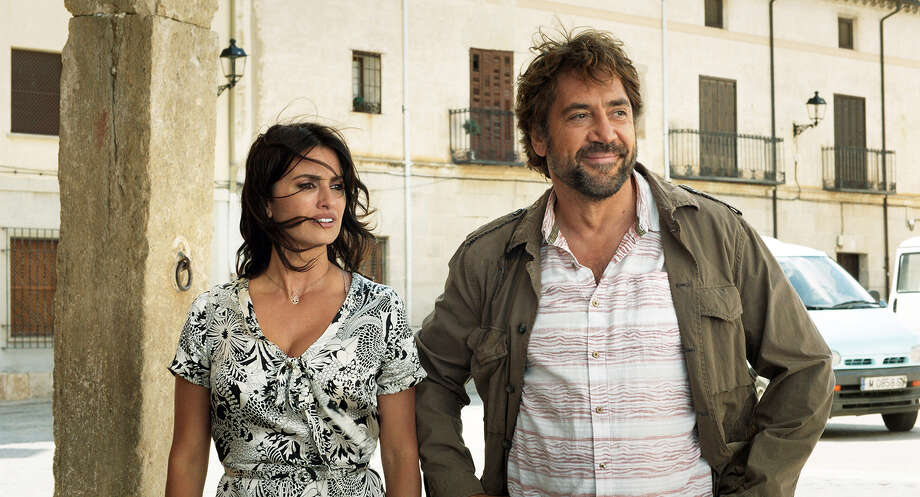 "Oscar-winning director Asghar Farhadi directs real-life married couple Penélope Cruz and Javier Bardem in the Spanish thriller ""Everybody Knows."" MUST CRDIT: Teresa Isasi, Focus Features Photo: Teresa Isasi / © 2018 FOCUS FEATURES LLC."