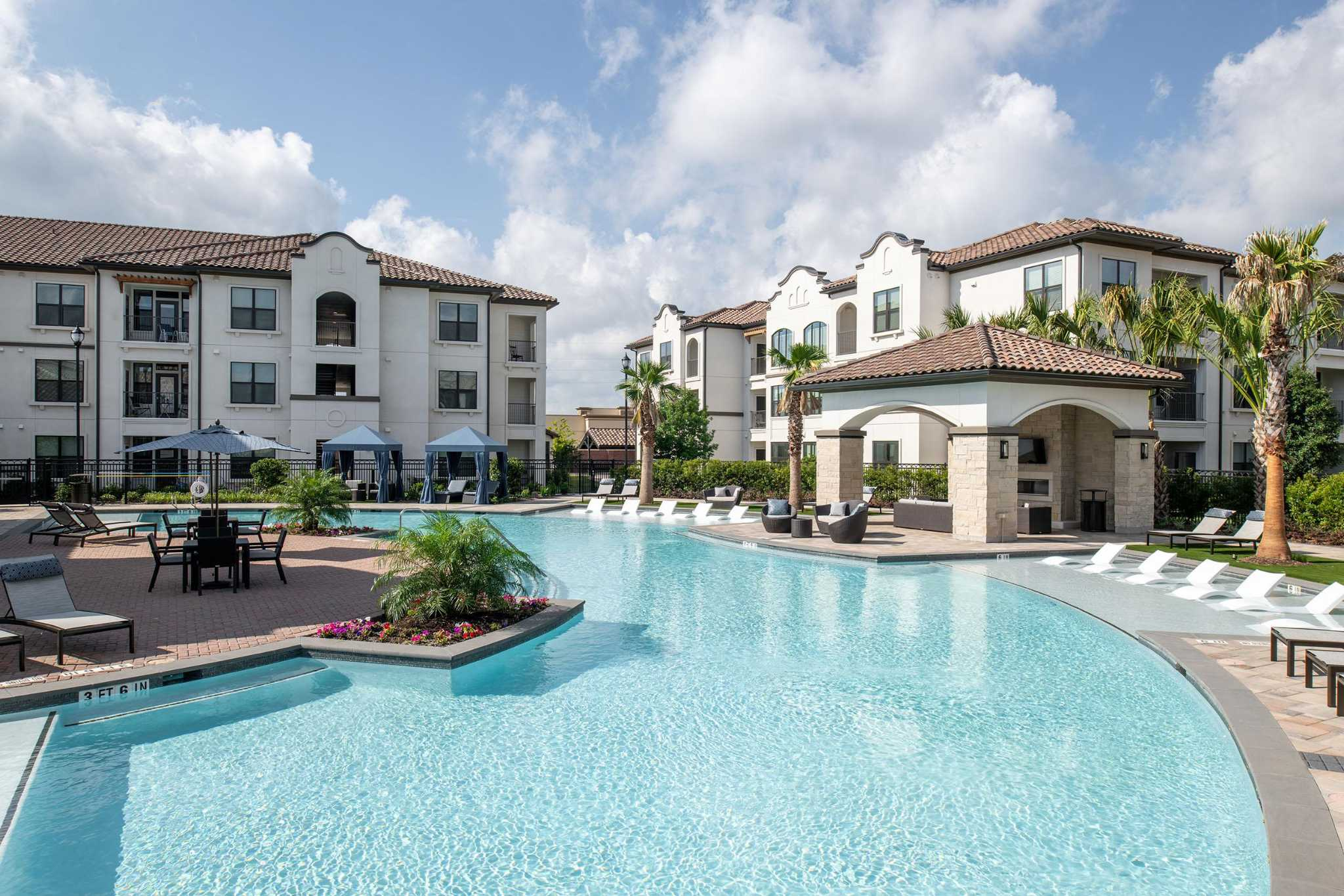 Houston apartment rent increases lag rest of country