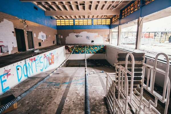 Abandoned Houston area YMCAPhoto by: Jafet Soto/infphy