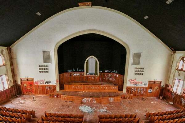 Abandoned Houston area churchPhoto by:Robb Atch/rnk.all.day