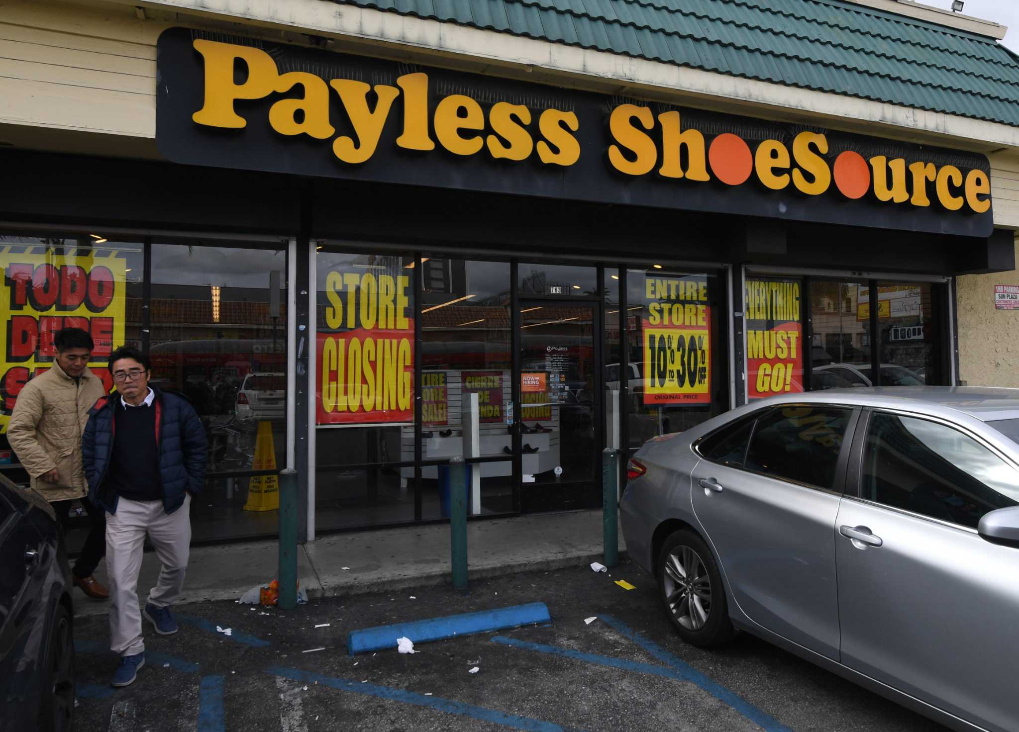 Business roundups: Payless ShoeSource stores closing, CBD supplier debuts in Lake Houston