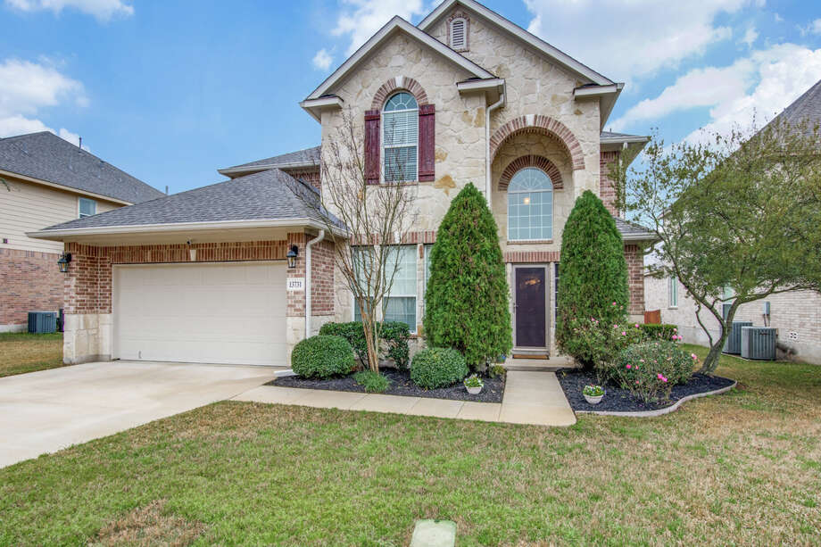 Sponsored by Nikki & Tom Blackburn of Keller Williams San Antonio