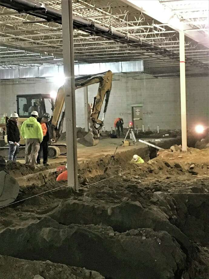 Work continues at the new Big Y in Derby, formerly the site of Walmart. Photo: Carlo Sarmiento / City Of Derby