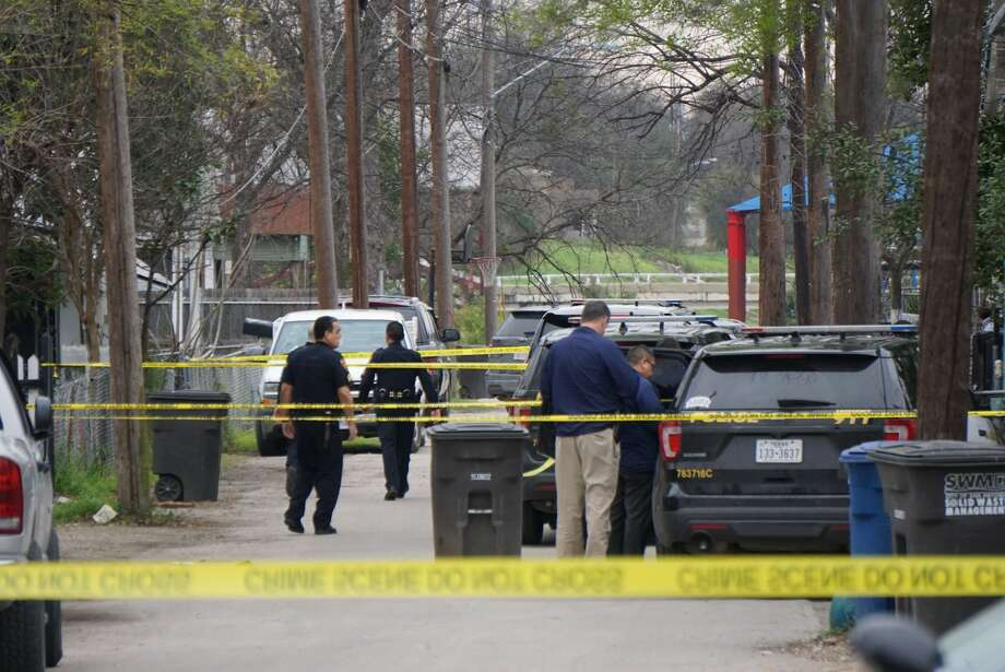 A man was fatally shot during an argument with three men in the 200 block of Monclava Alley Thursday, Feb. 21, 2019. Photo: Jacob Beltran