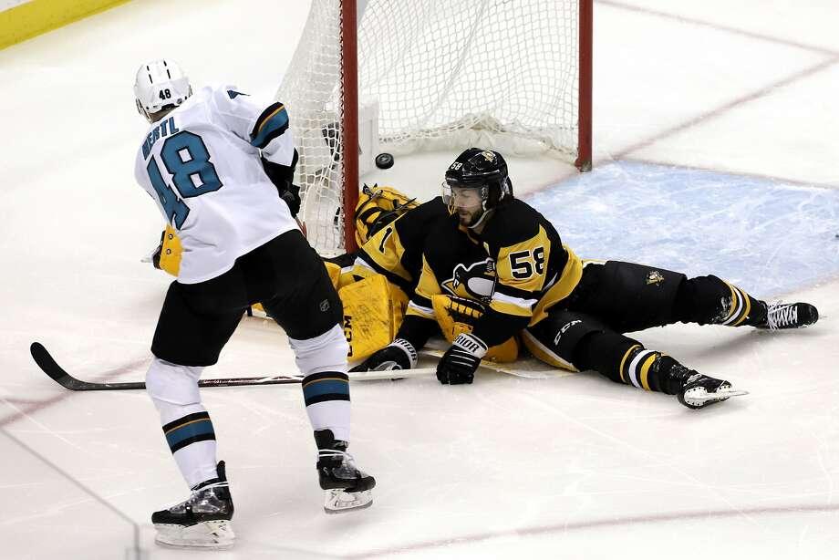 Sharks top Penguins behind Tomas Hertl's two goals