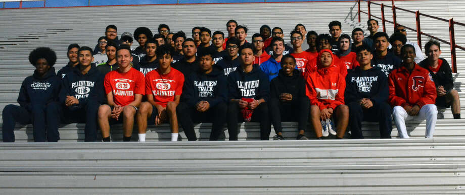 The 2019 Plainview Bulldogs track & field team is set to open the season with first-year head coach Cameron Peters at the Raider Nation Relays on Saturday in Amarillo. Photo: Alexis Cubit/Plainview Herald