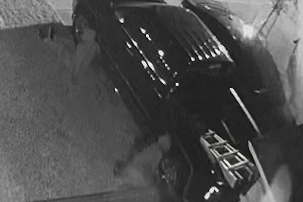 Harris County Precinct 5 Constable's Office deputies are looking for wheel thieves who have been targeting west Houston neighborhoods over the past month.