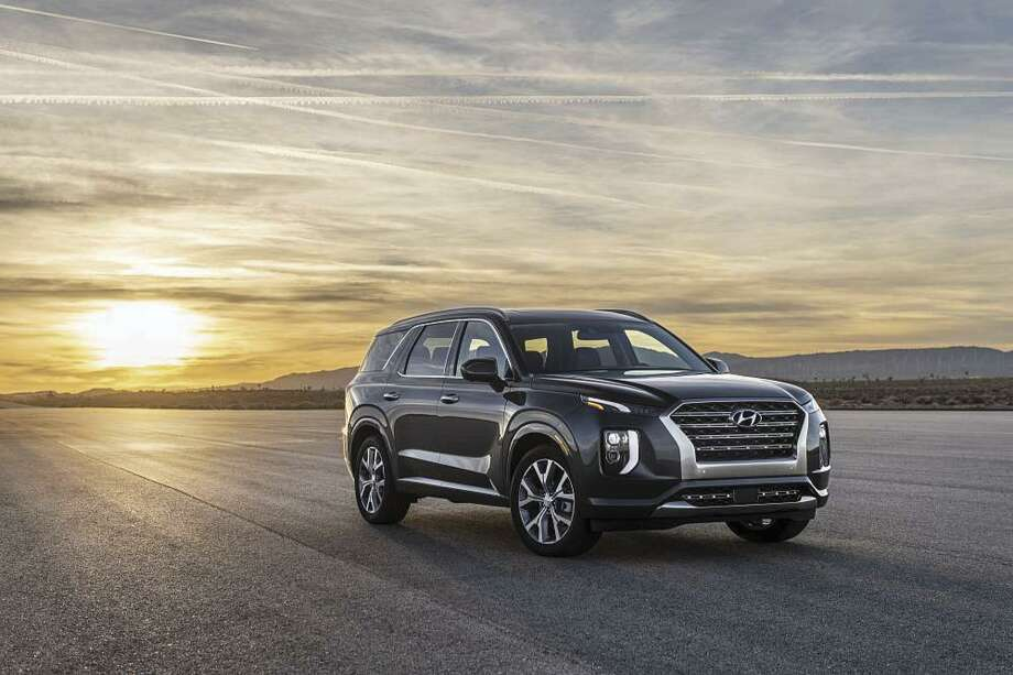 Hyundai has dumped its three-row Santa Fe XL, replacing it with the all-new Palisade, now the biggest of all Hyundai crossovers. (Motor Matters photo)
