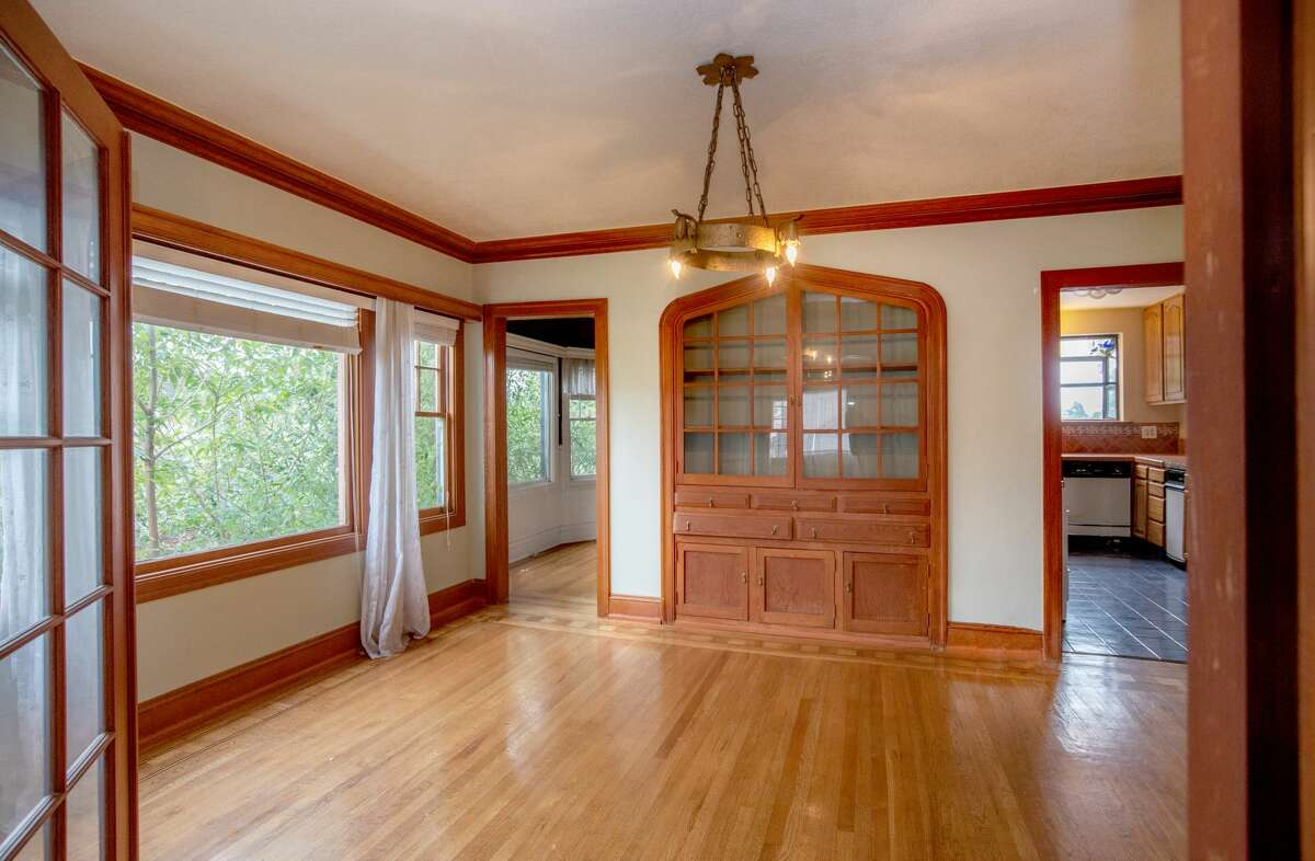 This untouched time warp is vintage Oakland with potential, asking $750K
