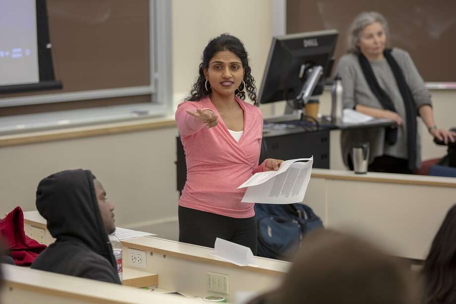 Saru Jayaraman, the ambitious director of the Food Labor Research Center at UC Berkeley, teaches a class. Photo: Peter DaSilva / Special To The Chronicle