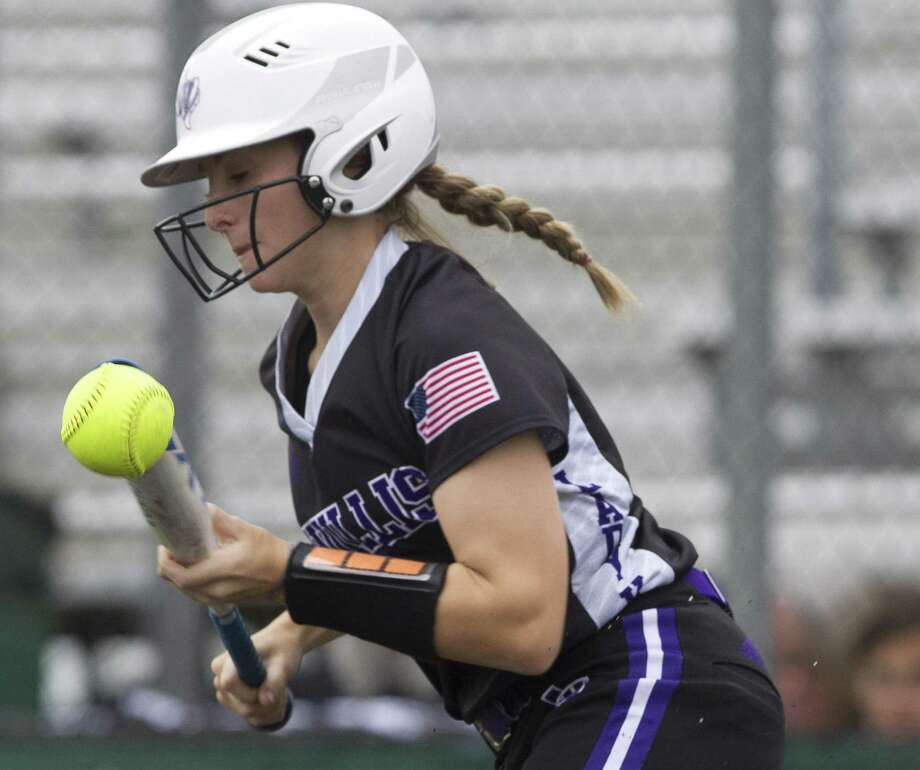 Hannah Earls #6 of Willis bunts the ball for a single during the first inning of Game 2 in Region III-5A area series, Friday, May 4, 2018, in Lufkin. Photo: Jason Fochtman, Staff Photographer / Houston Chronicle / © 2018 Houston Chronicle
