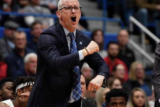 Dan Hurley and the UConn men's basketball team will face Cincinnati on Sunday.