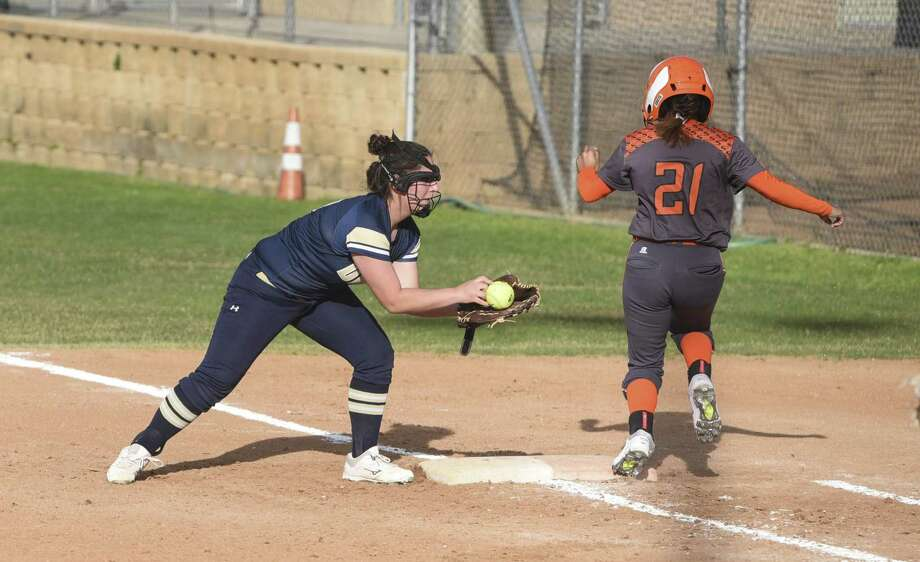The Lady Bulldogs fell to Harlingen South to end this year's Border Olympics softball tournament. Photo: Danny Zaragoza /Laredo Morning Times