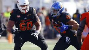South offensive tackle Andre Dillard of Washington State (60) during the first half of the Senior Bowl college football game, Saturday, Jan. 26, 2019, in Mobile, Ala. (AP Photo/Butch Dill)